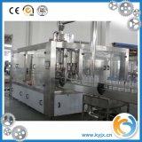O frasco do animal de estimação carbonatou a máquina de engarrafamento da bebida feita em China