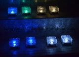 太陽氷の煉瓦屋外のための太陽庭ランプを変更する熱い販売の防水カラー