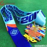 Médailles faites sur commande de récompense d'événement de marathon d'usine avec la lanière