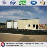 Magazzino prefabbricato della struttura d'acciaio di resistenza del vento con la gru