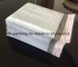 白いおよび灰色のPEのプラスチック泡エンベロプ袋の速達の泡袋が付いているプラスチック耐震性の防水小さいパッケージ袋