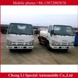 4X2 700p 190HP Isuzuの燃料のガソリンタンク車