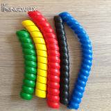 Protetor espiral colorido da mangueira