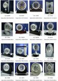 Reloj de plata brillante del escritorio, reloj de plata ejecutivo del escritorio