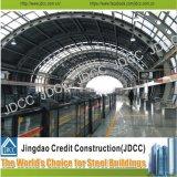 지하철과 기차역 강철 구조물 건물