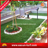 Tapete verde artificial para o jardim