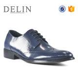 [أم] مصنع [جنوين لثر] حذاء لأنّ رجال