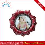 Frame creativo da foto do bebê dos desenhos animados