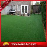 Césped sintetizado modificado para requisitos particulares hierba artificial del césped de cuatro colores