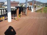 2018 Novo design do piso em deck WPC antiderrapagem para Outdoor