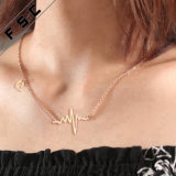 De nieuwe Halsband van de Tegenhanger van de Kromme van het Ontwerp van de Juwelen van de Manier Recentste Gouden voor Meisjes
