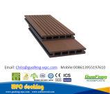 Revestimento composto da madeira do Decking WPC das matérias- primas de WPC