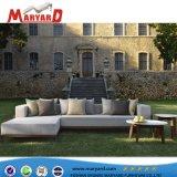 固体木のチークのソファーの家具のテラスの屋外のソファー