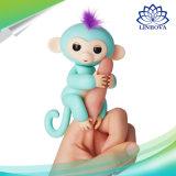 プラスチックFingerlingsペット赤ん坊は子供の子供のギフトのためのFingerlingsのおもちゃをまねる