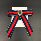 Gema bordado Bowknot rayado Broches British Collar de la camisa mujer 's Accesorios (BR-24)
