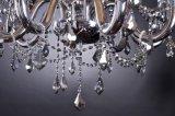 Lámpara cristalina tradicional con la preparación de cristal
