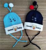 卸し売りカスタム柔らかさは冬の赤ん坊のニットの帽子の帽子に警告する