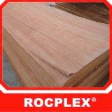 corte giratório do folheado de madeira de 0.5 milímetros Okoume uma classe