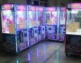 Máquina de juego de fichas de la garra de la grúa del empujador de los Historia-Cabritos del juguete Yw