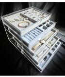 De acryl Doos van de Vertoning van Juwelen met 5 Laden en Dienbladen van het Fluweel