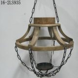 포도 수확 손전등의 철 사슬에 나무로 되는 앙티크
