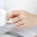 il modo squilla gli anelli di oro bianco delle donne dei monili senza anello delle pietre