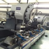Centro-Pza que trabaja a máquina que muele del accesorio de aluminio de la puerta del CNC