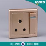 La norme BRITANNIQUE 15A 250V choisissent le plot de fiche du socle de Poteau 3-Pin