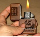 El oro y plata grabadora láser