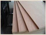4 ' *8' madera contrachapada de la suposición del álamo del grado de 12/15/18 milímetro E0/E1/de la teca de la base de Enculytus/del roble rojo/de la chapa de la haya para los muebles