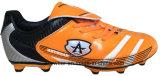 Le football d'hommes amorce les chaussures extérieures du football (815-5499)