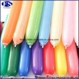 Mischfarben-magischer langer Ballon