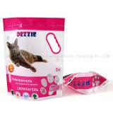 La litière pour chat à l'emballage sac en plastique