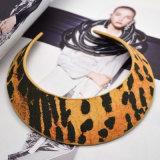 Il cuoio sexy del leopardo di personalità stringe la collana del Choker per le donne