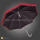Abra el paraguas plegable del manual tres