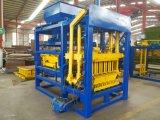 Brique/bloc automatiques concrets creux du couplage Qty4-25 faisant la machine