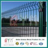 PVCによって塗られた溶接金属の塀はまたは鉄の金網の塀に電流を通した