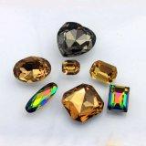 Pietra operata di cristallo a forma di pera con la branca del metallo per la decorazione dei vestiti