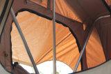 im Freienauto-Dach-Oberseite-Zelt des Abenteuer-4WD