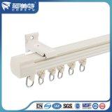 Personalizado de aluminio cortina de extrusión de rack / carril con color blanco