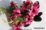 Fiore di seta della margherita artificiale per la decorazione