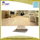 Maquinaria plástica de madera del estirador del azulejo de suelo del tablón del vinilo de la hoja del PVC