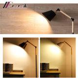 居間のための北欧の創造的な縦の床ランプの照明