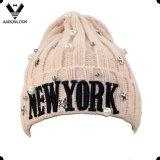 Design de bordado de Nova York Chapéu de tricô de inverno com contas de acessórios
