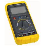 un tester elettrico di 3 Digitahi di colore giallo 1/2 con la lampadina