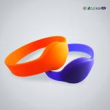 Wristband impermeável do silicone RFID do logotipo feito sob encomenda de Lf/Hf/UHF