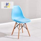 의자를 식사하는 가정 가구 Plastce 의자 PU 시트 및 나무다리