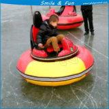 Véhicule de butoir sur la glace pour l'adulte et le gosse