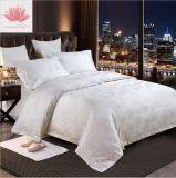 ヨーロッパ式の寝具の慰める人100%の純粋な綿のホテルの織物の寝具の麻布