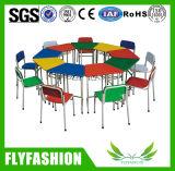 Vector colorido del estudio del cabrito de los muebles de los niños con la silla (SF-35C)